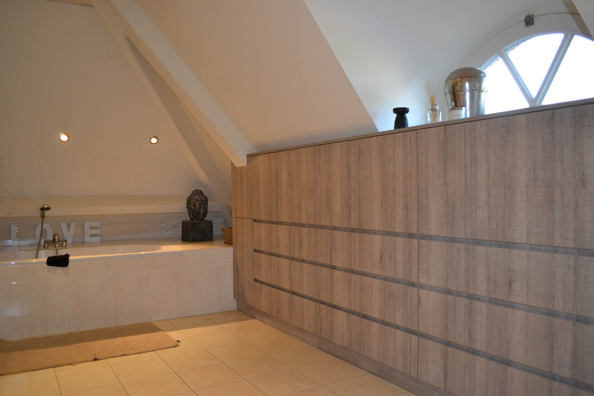 badkamer badkamermeubel onder schuine kap pdi interieurbouw