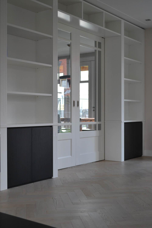 Ensuite kast en hangend dressoir   pdi interieurbouw