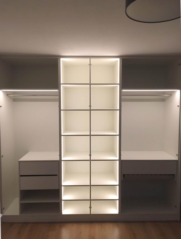 Kledingkast met LED - PDI Interieurbouw